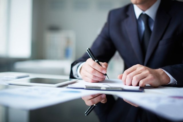 Акт приема-передачи транспортного средства к договору купли-продажи: зачем нужен, обязателен ли, как составить, бланк и образец заполнения