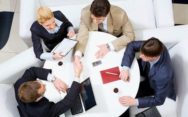 Как выставить счет на оплату от ИП: образец, лично или онлайн, обязательные реквизиты, физическому лицу, кто подписывает и прочее
