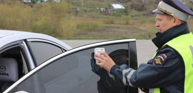 Штраф за тонировку в 2020 году: какой грозит за передние стекла, фары, при повторном нарушении, новый закон, нормы, как проводят замеры