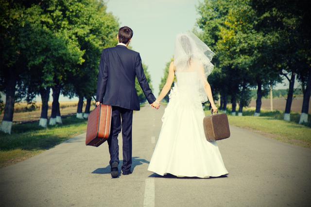 Замена загранпаспорта при смене фамилии после замужества или по собственному желанию: нужно ли это, как и где поменять, документы и прочее