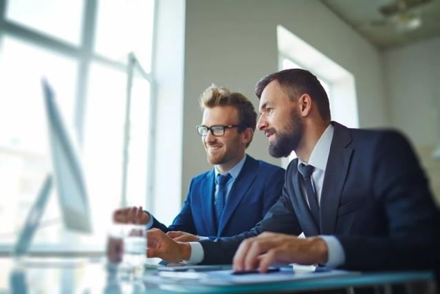 Как назвать фирму, выбрать полное и сокращенное название: требования и примеры