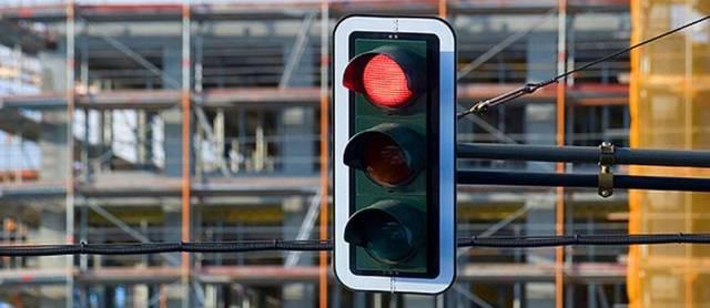 Штраф за проезд на красный свет в 2020 году, в том числе под камеру: какое наказание грозит, когда возможно лишение, повторное нарушение