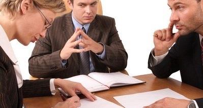 Как оформить завещание на квартиру у нотариуса, плюсы и минусы, сколько стоит и какие нужны документы, нюансы оформления между родственниками, как завещать дом, земельный участок и другую недвижимость