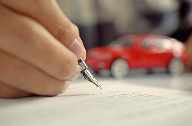 Договор дарения автомобиля: как оформить дарственную на машину в 2020 году, бланк для физических лиц, необходимые документы, налог