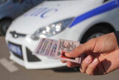Лишение водительских прав за неуплату алиментов: основания и процедура