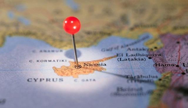 Иммиграция на Кипр: как переехать на ПМЖ при эмиграции из России, жизнь русских в стране